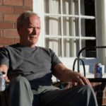 clint-eastwood-in-una-sequenza-di-gran-torino
