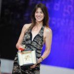 cannes-2009-una-raggiante-charlotte-gainsbourg-premiata-come-miglior-attrice-per-antichrist