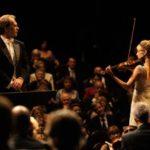 aleksei-guskov-e-melanie-laurent-in-un-momento-del-film-il-concerto