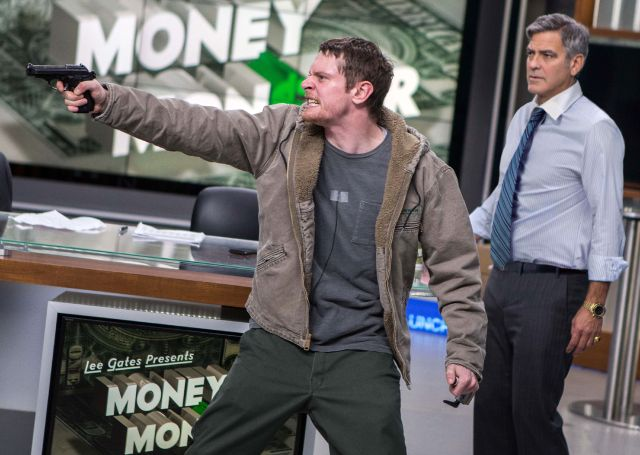 Kyle Budwell (Jack O'Connell) prende in ostaggio Lee Gates (George Clooney)